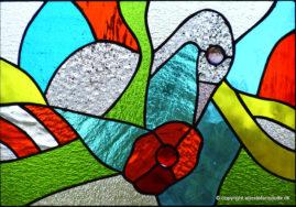 Fugl i skjul.. blyindfattet glas, 30x43 cm